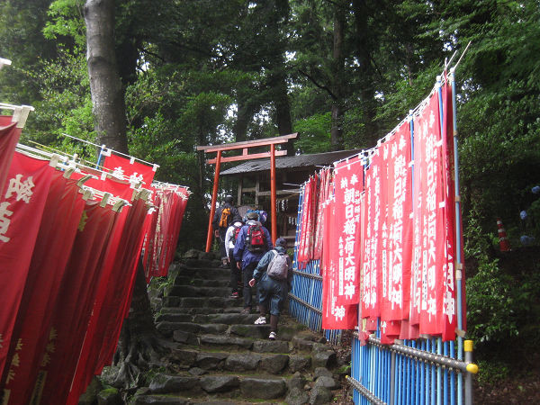 12.11 朝日稲荷神社へs