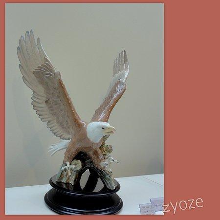 リヤドロプレミアム展・スペイン大使館・鷲