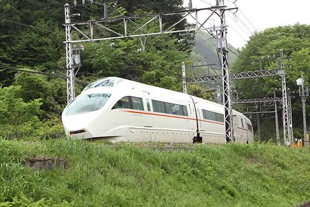 新緑と小田急線(10)