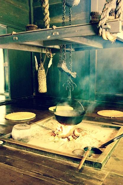 家族で団欒な囲炉裏の風景。。川崎市日本民家園6月28日