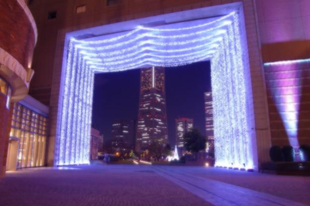 ある日の寒い日の横浜夜景・・光るキャンパスにみなとみらい ナビオス横浜 20141212