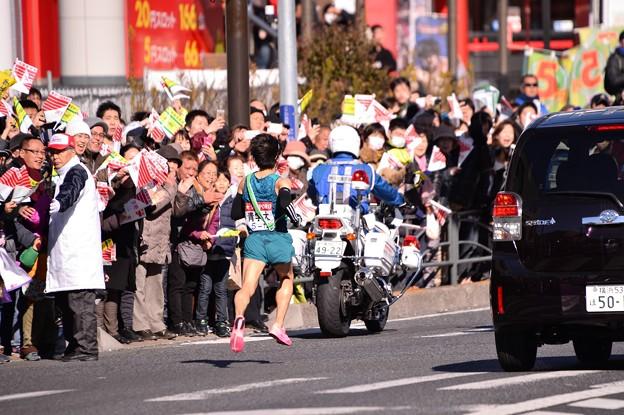 あっという間に駆け抜けて青学の総合優勝へ向かって。。鶴見中継所へ 20150103