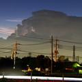 電気を放出する雷雲