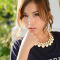 写真: 益田杏奈バルコニー頬杖アップ2L