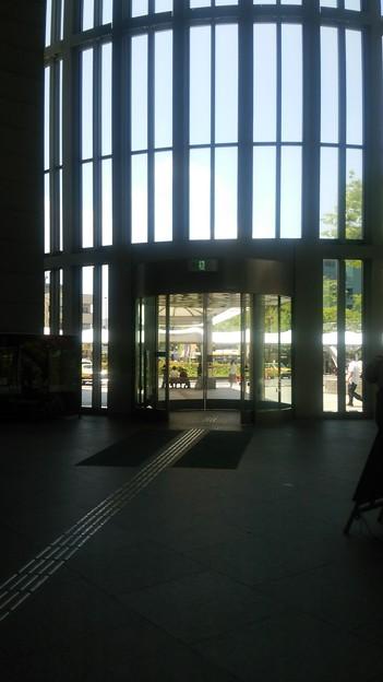 【6月24日のお出かけその8】足立区役所の入口