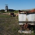 写真: 炭車と第一立坑(池島)