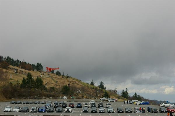 駐車場に整列した車達