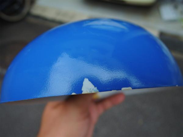 この日の作業後には塗装の剥がれが広がっている