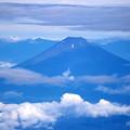 写真: 山開きした富士山