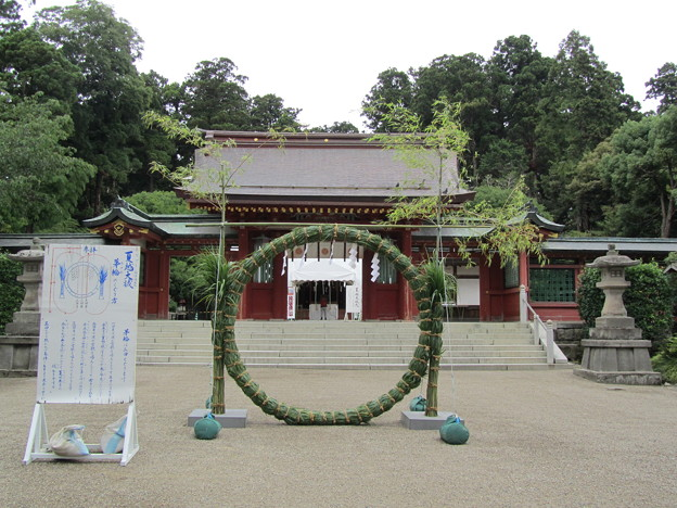 27.6.28志波彦神社神門前の茅輪